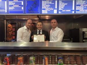 "Biznesi i Artan Hoxhaj fituesi i ""Best kebab in Skotland"""